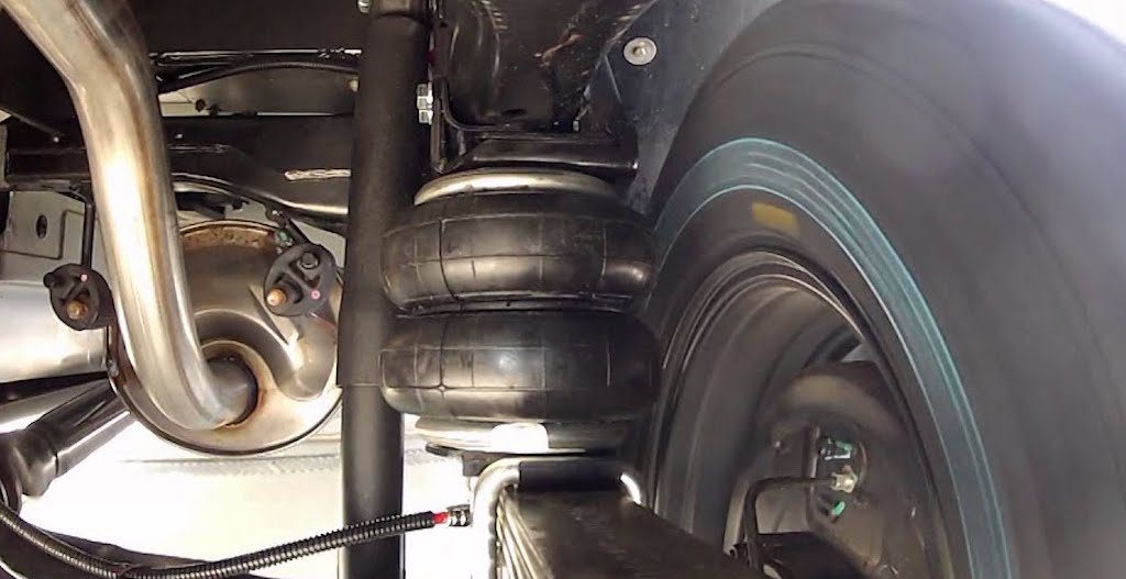 Air Bag Suspension Pros and Cons